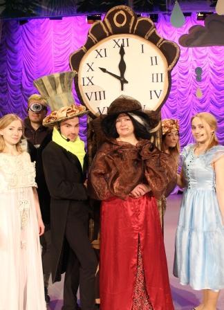 6 апреля в КЦ «Соломбала - Арт» - премьера театрализованного представления «Сказка о Волшебных часах»